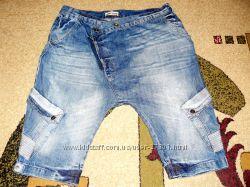 Джинсовые шорты оригинального покроя, объем 36