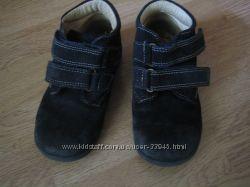 Ботиночки Primigi замш 28 размер Garvalin школьные туфли