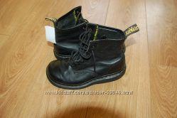 Ботинки  Dr. Martens кожа  Англия оригинал    24 см