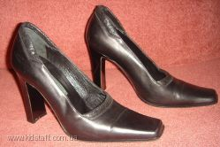 Итальянские кожаные туфли ENRICO GIBELLIERI.