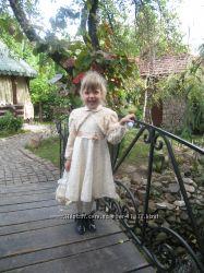Нарядное платье с болеро и сумочкой.