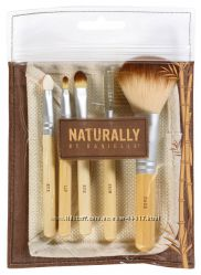 Набор Danielle Naturally 5 Piece Bamboo Makeup Brush Set