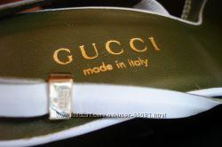 Босоножки Gucci . Белые.