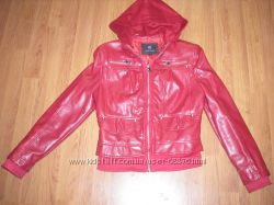 Продам стильную курточку. Размер М.
