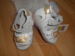продажа летней кожаной обуви для детей от B&G, цены радуют