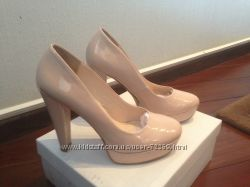 Шикарные лаковые туфли Calvin Klein
