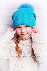 Яркие зимние шапочки с натуральным мехом для девочек-подростков и их мам