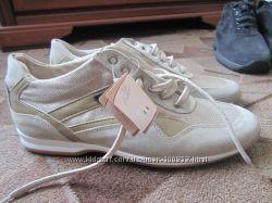 Качественный Итальянские туфли  много обуви