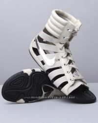 Nike оригинал кожа гладиаторы 37р боссоножки оригинал в наличии