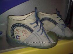 Продам бу ботинки для малыша Chicco размер 20