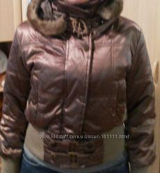 Продам красивую куртку цвет бронза