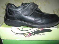 Продам кожаные туфли ЕССО  для девочки