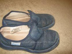 продам туфельки для двора, сменки в школе или садике.