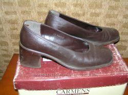 офисные туфли Carmens на толстых каблуках 37р. кому