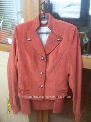 Костюм- пиджак и юбка