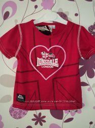 Новая фирменная  футболочка для  девочки. Размер 3-4 года. Lonsdale. Англия