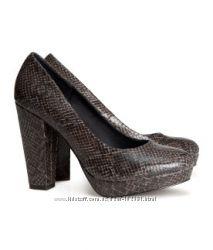 Новые  оч. удобные туфли жен. H&M,  р. 37. 5