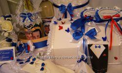 Свадебные аксессуары в одном цвете или стиле