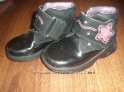 Ботиночки на девочку Clarks - со светодиодными элементами
