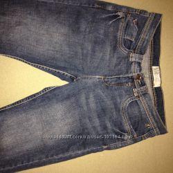 Брендовые джинсы в состоянии новых
