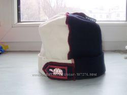 Хорошенькая фирменная весенне-летняя шапочка для малыша