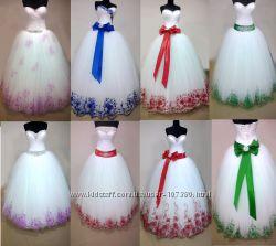 Свадебные платья с цветной вышивкой, в Украинском стиле