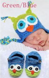 Набор новорожденному - шапка и пинетки