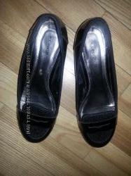 Туфли , для школы, лодочки черные , школьные, лаковые на каблучке  р. 36