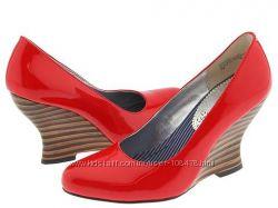 Новые кожаные лаковые туфли Kenzie р. 38, 5