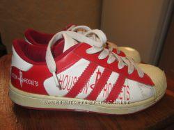 Кроссовки Adidas, размер 37, стелька 23, 5 см.