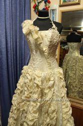 Шикарное платье от дизайнера Аллы Саги