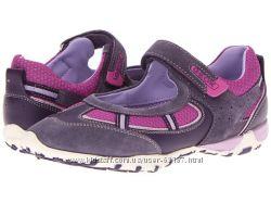 новые спортивные туфли GEOX в размере 34, реальная стелька 22см