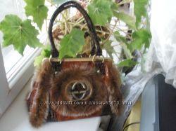 Модная  новая сумочка с мехом
