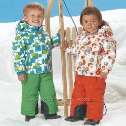 Зимние комбинезоны и шапочки для малышей из Германии