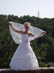 Свадебное платье для миниатюрной невесты, жемчужного цвета
