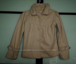Пальто персикового цвета новое