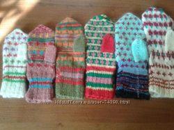 Вязаные рукавицы и носочки для всех