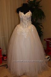 Платье свадебное плюс аксессуары