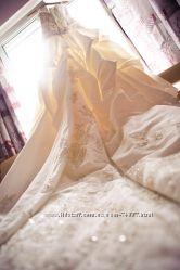 Шикарное свадебное платье Casablanca