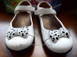 Красивые нарядные туфельки , чуточку поношенные