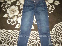 джинсы MANGO укороченные в сапоги