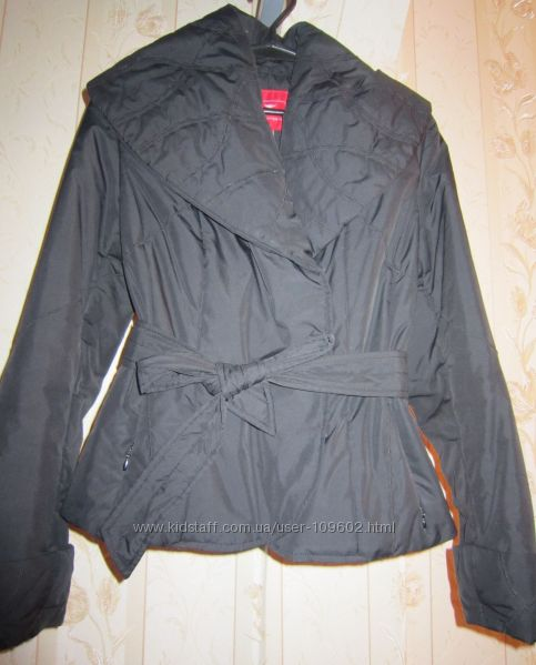 Куртка демисезонная с широким воротником