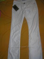Красивейшие белые штанишки р 28-29