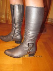 Шикарные кожаные сапоги 36разм
