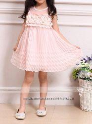 Красивенькое платье-цвет белый