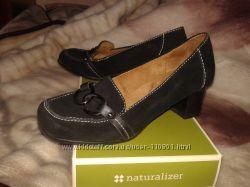 Черные замшевые туфли Naturalizer р-р 39W 26см