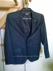 Пиджак мальчику 9-10 лет, размер 140-146