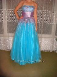 Шикарное вечернее платье на выпуской