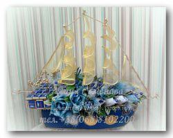 оригинальные подарки -композиции и букеты из конфет
