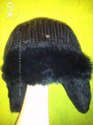 Теплая женская шапка в паетках обьем головы 57-60 см